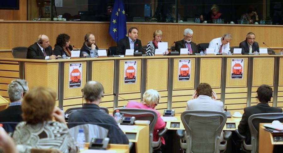 The seminar against war and intervention in the Middle East in the European Parliament. Second from left: Aida Touma-Sliman (Photo: GUE/NGL)