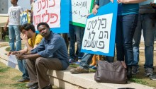 Waleldin at a protest for refugee rights at Tel-Aviv University (Photo: Danielle Shitrit)