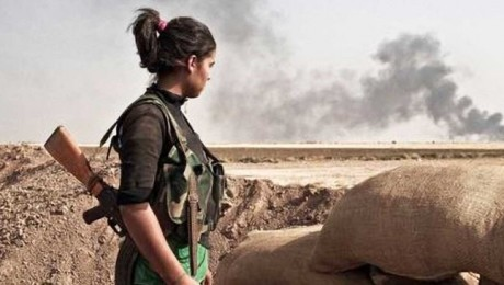 Kurdish militants continue defending the northern Syrian city of Kobani, thwarting seven overnight attacks by the ISIL terrorists aimed at capturing the city (Photo: Telesur)