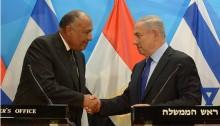 Egyptian Foreign Minister Sameh Shoukry with Israeli PM Benjamin Netanyahu, last week, in Jerusalem
