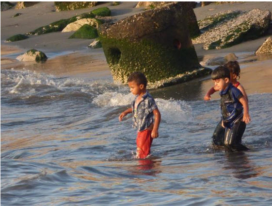 Polluted beach in Gaza City, June 2016