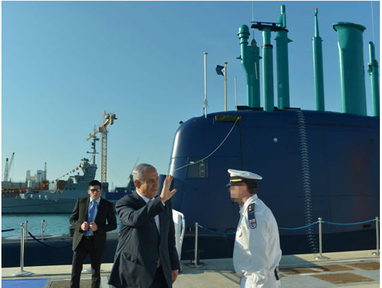 Netanyahu and one of Israel's German-manufactured submarines