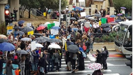 Hundreds of social workers as they demonstrate and block Pal-Yam Street in Haifa, last Thursday, December 6.