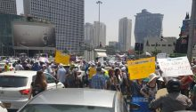 Pensioners and social activists blocked a major highway in Tel Aviv on June 2 as part of the Histadrut Pensioners Union campaign against cuts in pensions.