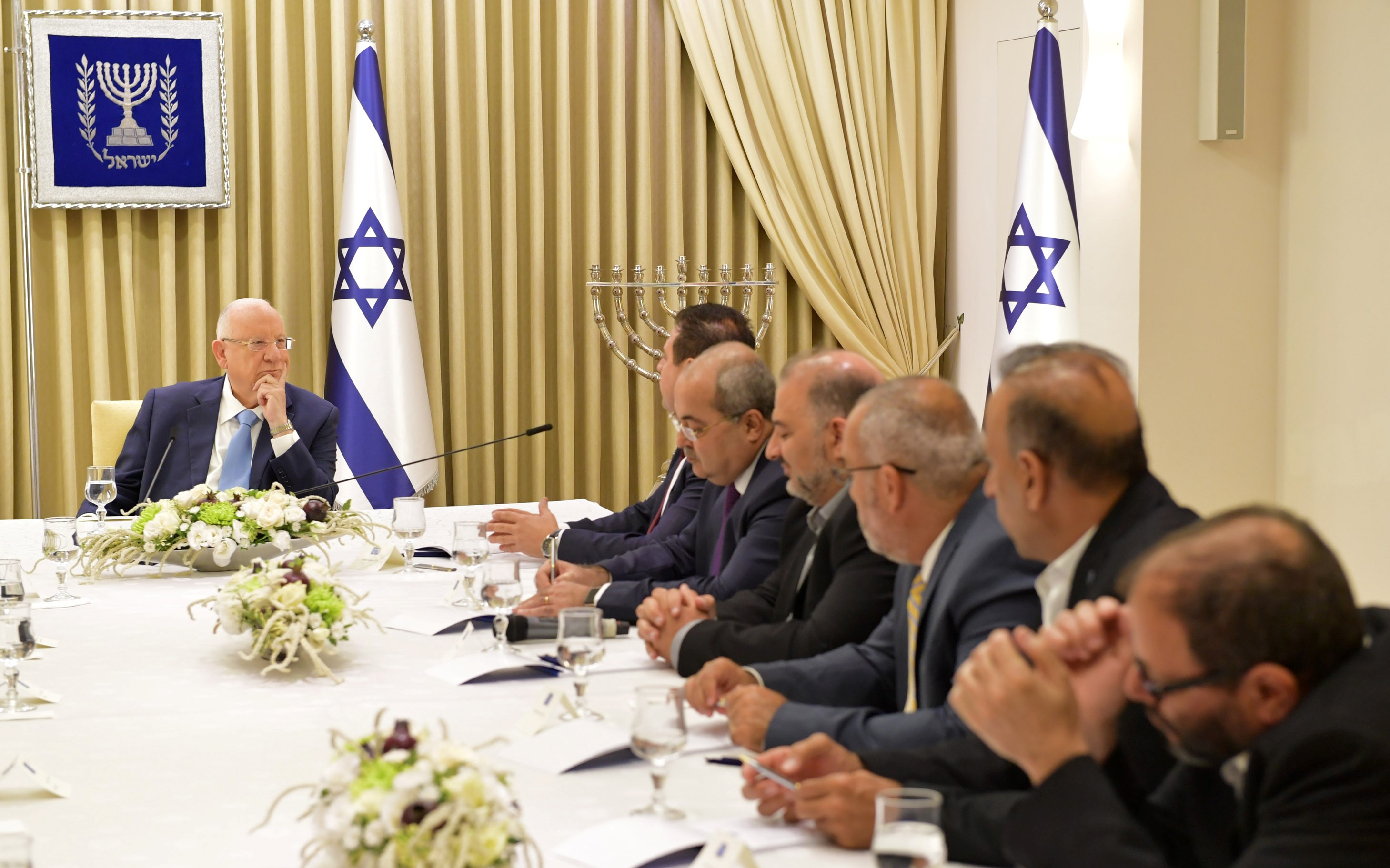 President Rivlin with the Joint List delegation, Sunday evening, September 22