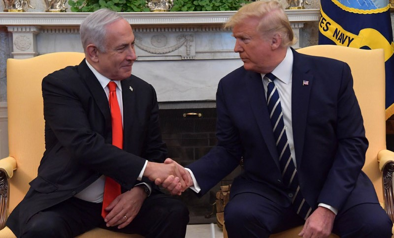 """Israel's Prime Minister Benjamin Netanyahu with US President Donald Trump, Tuesday, January 28, at the White House in Washington DC; once again, the tail wagging the dog."""""""
