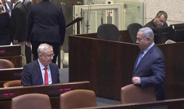 Gantz and Netanyahu, Thursday evening, in the Knesset plenum