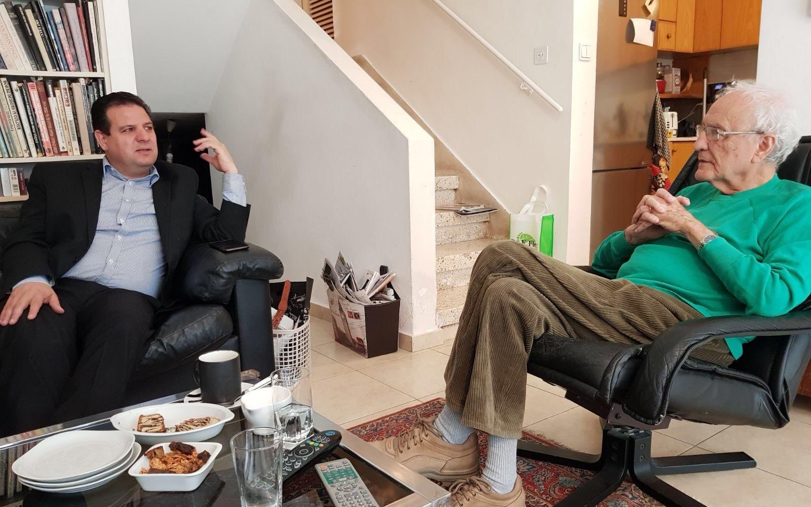 MK Ayman Odeh, head of the Joint List, (left) meets with Zeev Sternhell at the home of the late Israeli historian and political scientist's in 2017.