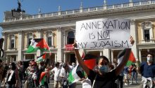 Demonstrators protested in Rome against occupation and annexation, last Sunday, June 28.