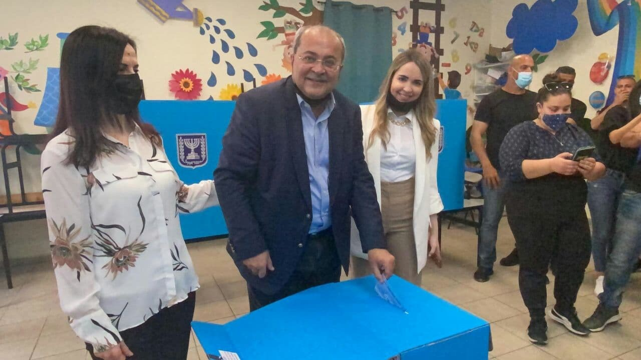 MK Ahmad Tibi voting in Taybe, March 23, 2021