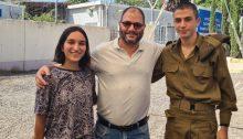 Shahar Peretz (left), MK Ofer Cassif and Private Eran Aviv last Tuesday outside the gate into the Tel Hashomer Induction Base, east of Tel Aviv