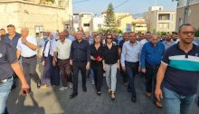Hundreds of members of the Arab-Palestinian public in Israel, including mayors, representatives of the High Follow-Up Committee for Arab Citizens, and other political leaders marched on Saturday, October 1, in the northern city of Sakhnin to mark 21 years since the October 2000 demonstrations.